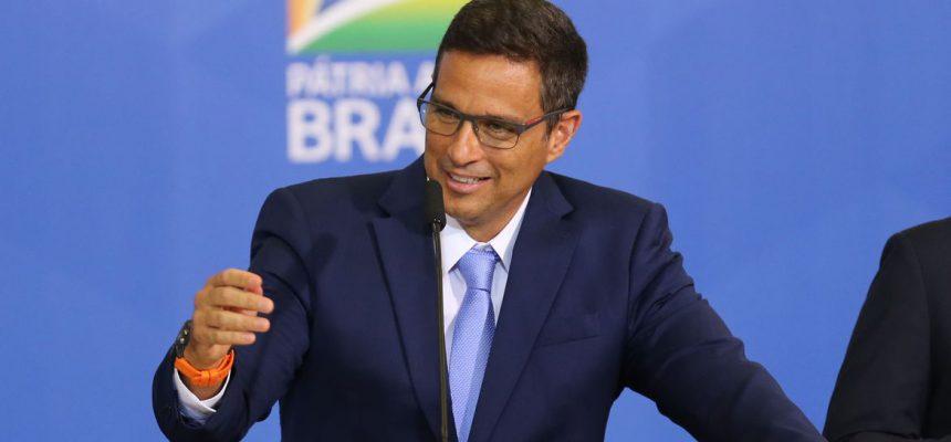 Presidente do Banco Central, Roberto Campos Neto, discursa durante cerimonia de sanção da Lei da Autonomia do Banco Central