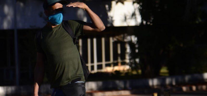 O uso de máscaras como medida de prevenção contra o coronavírus é obrigatório no Distrito Federal desde o dia 30 de abril